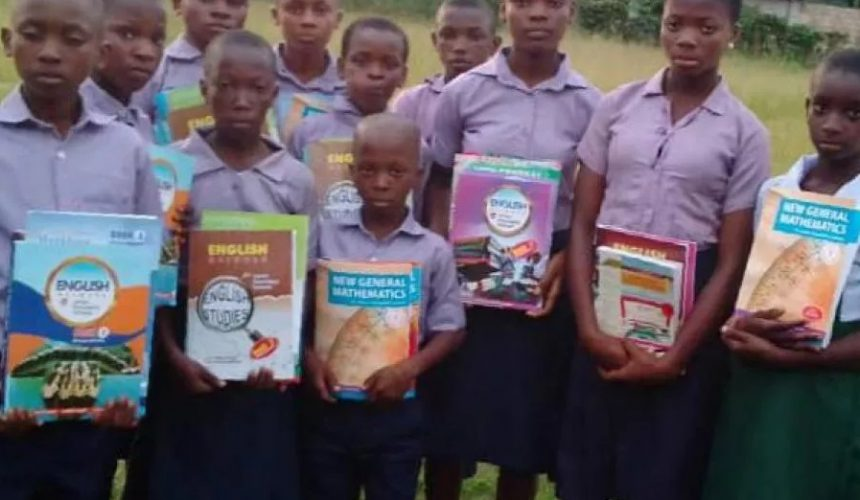 Support 100 Cameroonian Refugee Children Go Back To School